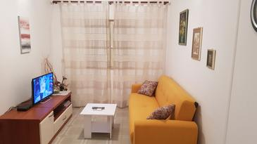 Korčula, Living room in the apartment, air condition available, (pet friendly) and WiFi.