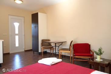 Kneža, Dining room in the studio-apartment, WIFI.