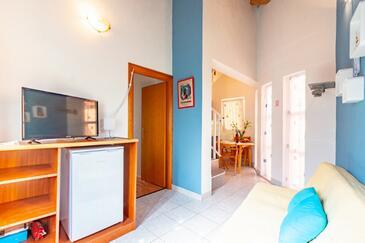 Kneža, Obývacia izba v ubytovacej jednotke apartment, dostupna klima, dopusteni kucni ljubimci i WIFI.