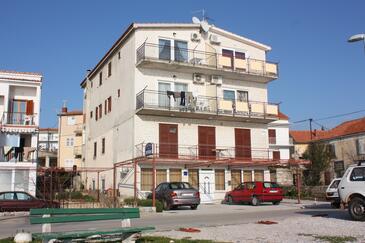 Primošten, Primošten, Property 917 - Apartments near sea with pebble beach.