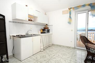 Račišće, Kitchen in the studio-apartment.