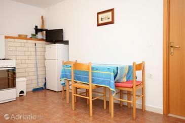 Kneža, Dining room in the apartment, WIFI.