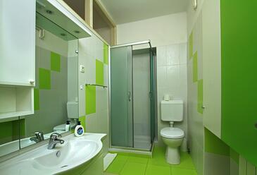 Bathroom 2   - A-9173-a