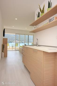 Grebaštica, Kitchen in the studio-apartment, dostupna klima i WIFI.