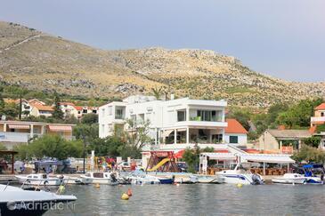 Grebaštica, Šibenik, Property 9205 - Apartments near sea with pebble beach.