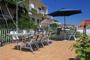 Apartments with a parking space Trogir - 9210