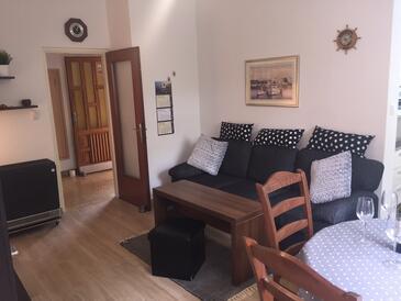 Brna, Гостиная в размещении типа apartment, WiFi.