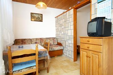 Vrbovica, Dining room in the studio-apartment, (pet friendly) and WiFi.