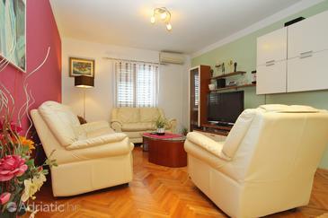 Zavalatica, Living room in the apartment, dostupna klima, dopusteni kucni ljubimci i WIFI.