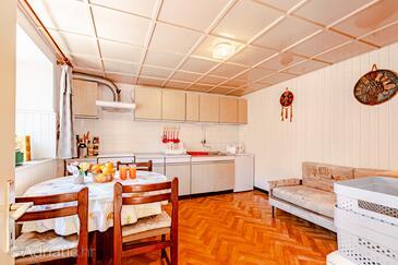 Žrnovo, Dining room in the apartment, dopusteni kucni ljubimci i WIFI.