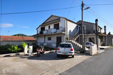 Vela Luka, Korčula, Property 9243 - Apartments near sea with pebble beach.