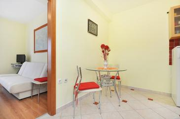 Vela Luka, Dining room in the apartment, air condition available and WiFi.
