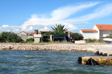 Krapanj, Šibenik, Property 9258 - Apartments by the sea.