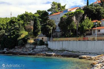 Medvinjak, Korčula, Szálláshely 9268 - Apartmanok a tenger közelében kavicsos stranddal.