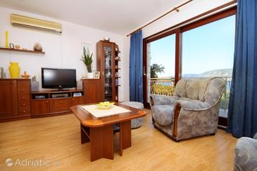 Kneža, Living room in the apartment, air condition available and WiFi.