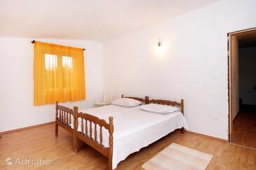 Bedroom    - K-9282