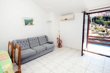 Zavalatica, Living room in the apartment, dostupna klima.