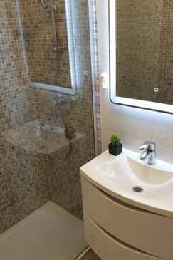Bathroom 2   - K-9296
