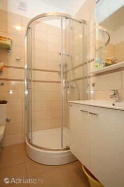 Bathroom 3   - K-9296