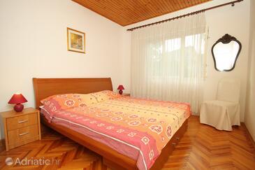Bedroom    - K-9296