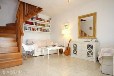Smokvica, Living room in the house, (pet friendly) and WiFi.