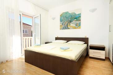 Bedroom    - A-9300-a