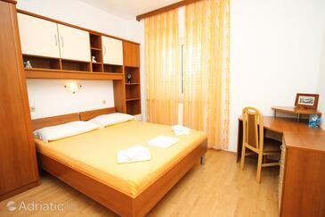 Bedroom 2   - A-9300-a
