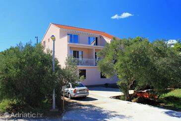 Lumbarda, Korčula, Property 9302 - Apartments near sea with pebble beach.