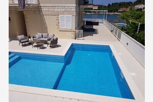 Seaside apartments with a swimming pool Lumbarda, Korčula - 9303