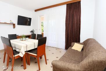 Lumbarda, Living room in the apartment, dostupna klima, dopusteni kucni ljubimci i WIFI.