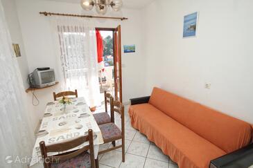 Zavalatica, Sala da pranzo nell'alloggi del tipo apartment, animali domestici ammessi e WiFi.