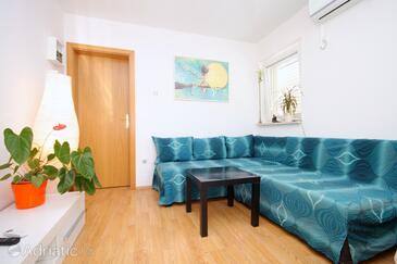 Korčula, Living room in the apartment, dostupna klima i WIFI.