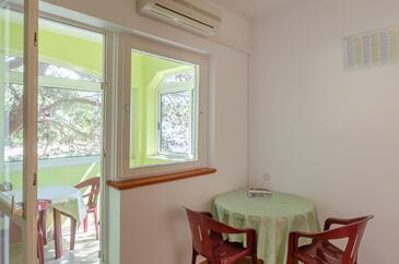 Zaglav, Jídelna v ubytování typu apartment, klimatizácia k dispozícii, domácí mazlíčci povoleni a WiFi.