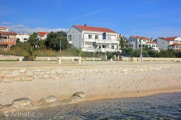 Novalja, Pag, Objekt 9326 - Ubytování v blízkosti moře s oblázkovou pláží.