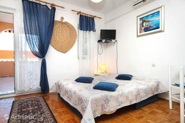Novalja, Living room in the apartment, air condition available and WiFi.