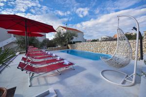 Apartments and rooms with a swimming pool Novalja (Pag) - 9334