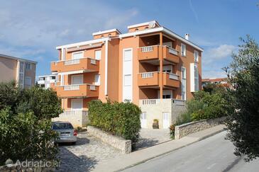 Novalja, Pag, Objekt 9336 - Ubytování s oblázkovou pláží.