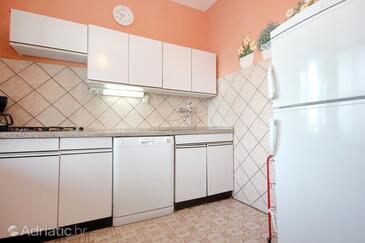 Stara Novalja, Kitchen in the apartment, dopusteni kucni ljubimci i WIFI.