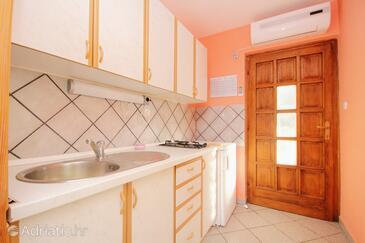 Stara Novalja, Kuchyně v ubytování typu apartment, s klimatizací, domácí mazlíčci povoleni a WiFi.