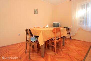 Stara Novalja, Sufragerie în unitate de cazare tip apartment, WiFi.