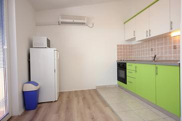 Mandre, Kuchyně v ubytování typu apartment, dostupna klima i WIFI.
