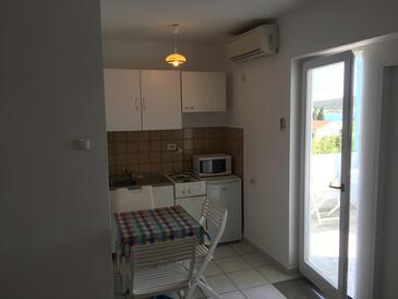 Stara Novalja, Jídelna v ubytování typu apartment, domácí mazlíčci povoleni a WiFi.