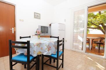 Vidalići, Dining room in the apartment, dopusteni kucni ljubimci i WIFI.