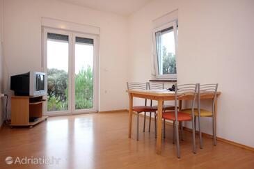 Mandre, Dining room in the apartment, dostupna klima, dopusteni kucni ljubimci i WIFI.