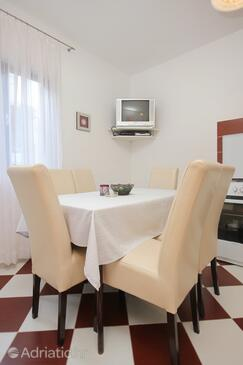 Pag, Dining room in the apartment, dopusteni kucni ljubimci i WIFI.