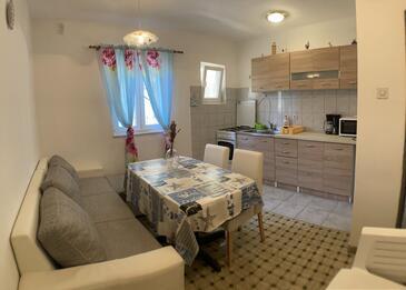 Lun, Dining room in the apartment, dopusteni kucni ljubimci i WIFI.