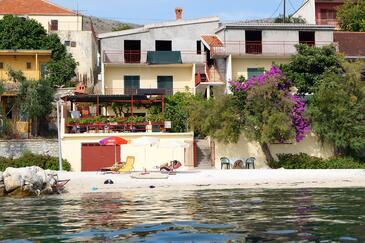 Podstrana, Split, Objekt 9412 - Ubytovanie blízko mora s kamienkovou plážou.