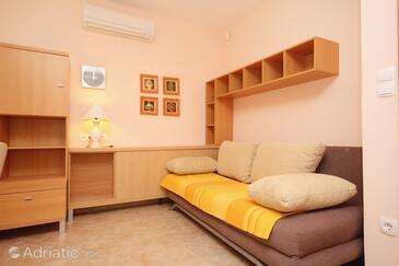 Novalja, Living room in the studio-apartment, WIFI.