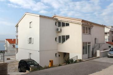 Vidalići, Pag, Objekt 9415 - Apartmaji v bližini morja s prodnato plažo.