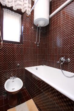 Bathroom    - A-9423-a